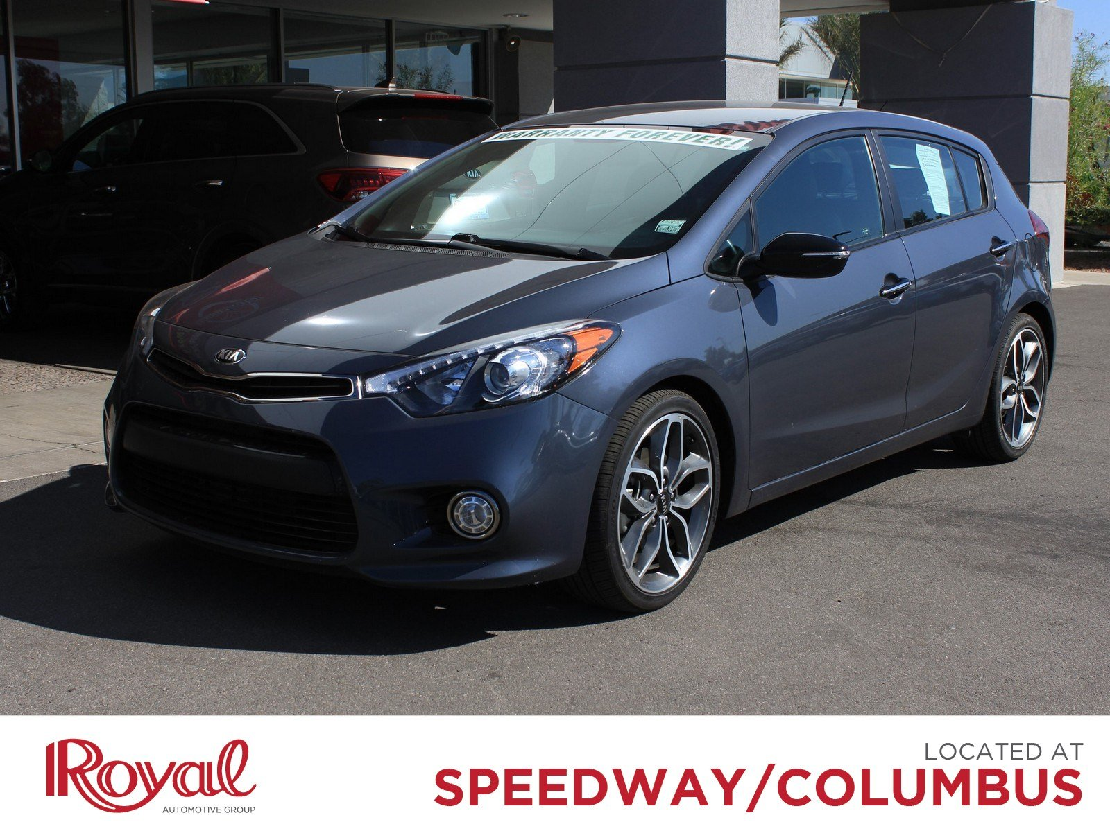 Pre-Owned 2016 Kia Forte 5-Door SX