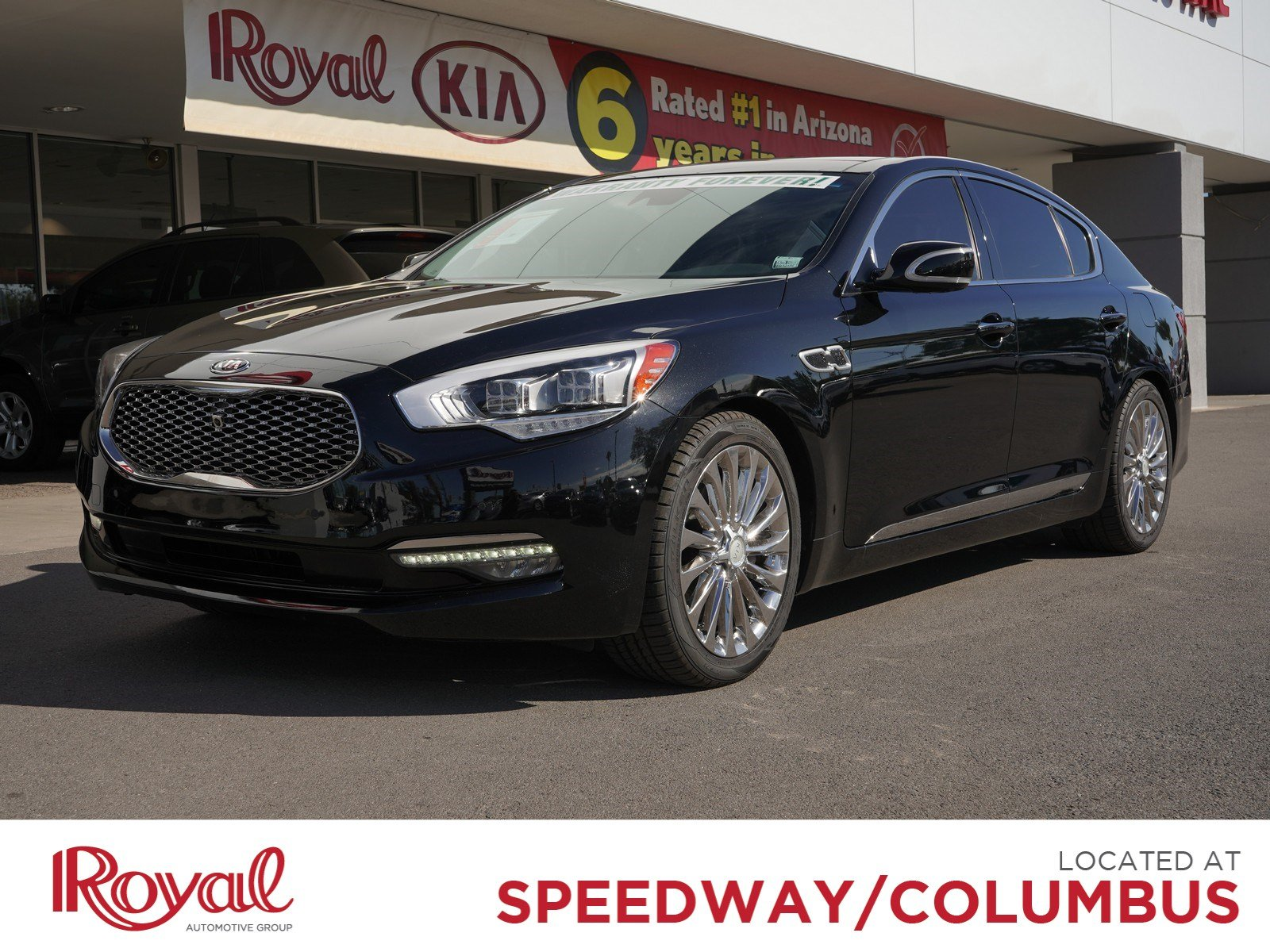 Pre-Owned 2016 Kia K900 Luxury